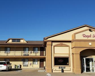 Regal Inn Coffeyville - Coffeyville - Building