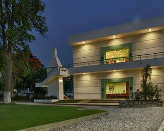 Los Olivos Spa - Oaxaca - Building