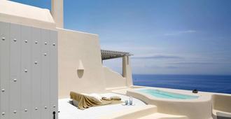 Dome Resort Santorini - เธียร่า - สระว่ายน้ำ
