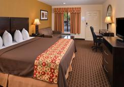 Americas Best Value Inn Tupelo Barnes Crossing - Tupelo - Bedroom