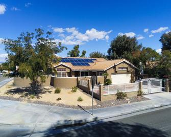 Palm Springs Vacation Home - Cathedral City - Gebouw