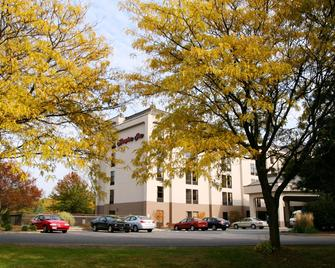 Hampton Inn Albany-Wolf Road - Albany - Building