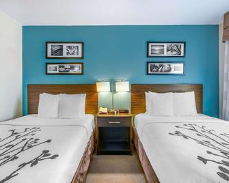 Sleep Inn near Washington State Line - Post Falls - Bedroom