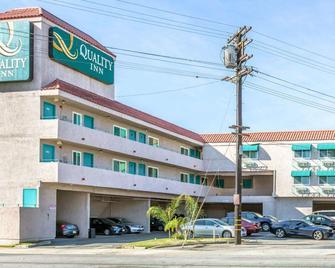 Quality Inn Burbank Airport - Burbank - Gebäude