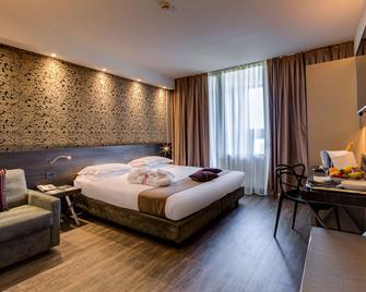 Best Western Plus Hotel Farnese - Parma - Schlafzimmer