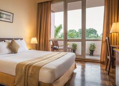 Inya Lake Hotel - Yangon - Κρεβατοκάμαρα
