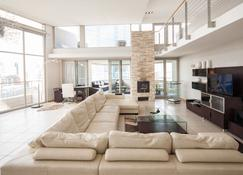 Harbouredge Apartments - Cape Town - Living room