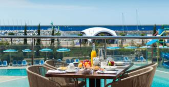 Radisson Blu Resort & Congress Centre, Sochi - Sochi - Varanda