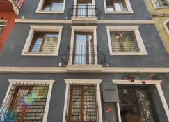 Cirrus Tomtom - Istanbul - Building