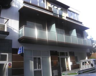 Apartments el Patio - Лос-Льянос-де-Арідане - Building