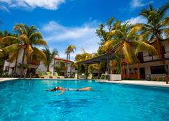 Boca Olas Resort Villas - La Libertad - Pool