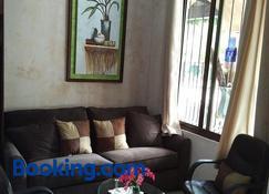 Villas Santa Ines Emekarsa - Antigua Guatemala - Sala de estar