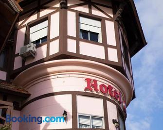 Hotel Colón - Piriapolis - Building