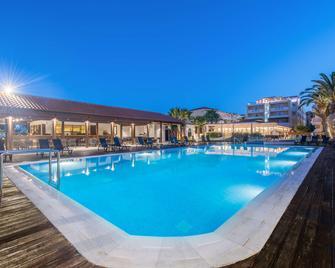 Galaxy Hotel, Bw Premier Collection - Laganas - Piscina