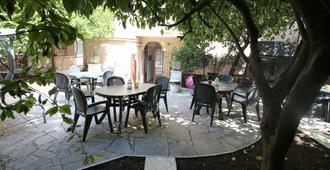 New Generation Hostel Rome Center - Roma - Patio
