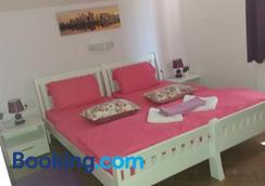 Guest House Macic - Korenica - Bedroom