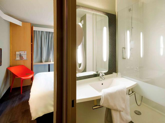 Ibis Bayonne Centre - Bayonne - Bathroom