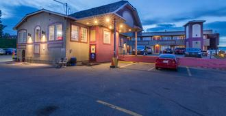 Canadas Best Value Inn Chinook Station - Calgary - Building