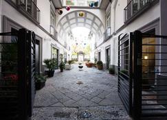 Hotel Piazza Bellini & Apartments - Neapol - Widok na zewnątrz