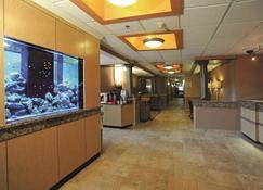 La Quinta Inn & Suites by Wyndham Springfield South - Springfield - Lobby