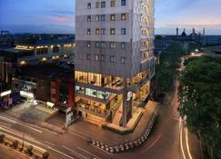 坤甸尼奧噶迦瑪達酒店 - 坤甸 - 建築