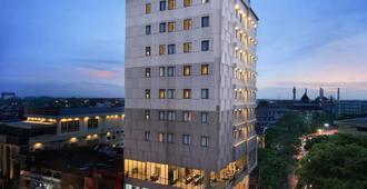 Hotel Neo Gajah Mada Pontianak By Aston - Pontianak - Edificio
