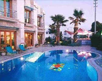 Maira Beach Hotel Bodrum - Turgutreis - Pool