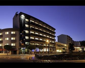 Aqua Hotel - Ovar - Building
