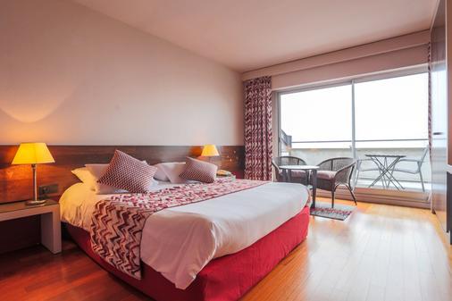 Hôtel l'Ermitage - Le-Puy-en-Velay - Bedroom