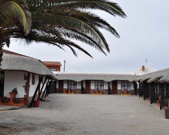 Obelix Guesthouse - Lüderitz - Gebäude