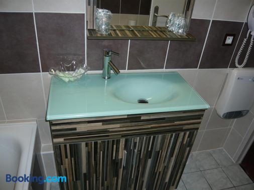 Hotel Port Beach - Gruissan - Bathroom