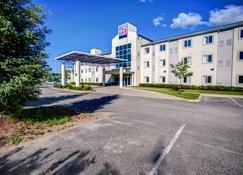 Motel 6 Huntsville - Huntsville - Building