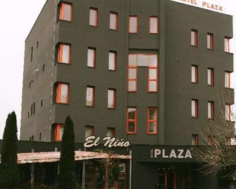Hotel Plaza - Mladá Boleslav - Gebouw