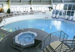 伯恩茅斯皇家沐浴水療酒店 - 波茅斯 - 伯恩茅斯 - 游泳池