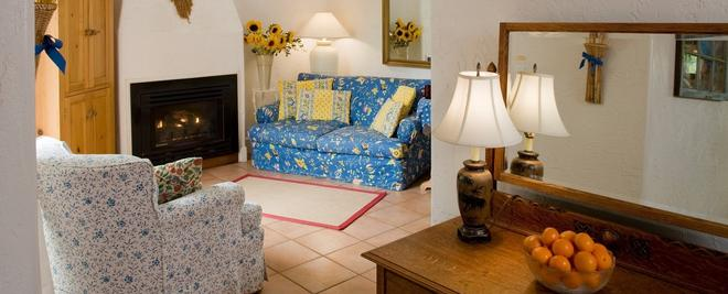 Arch Cape Inn And Retreat- Cannon Beach - Arch Cape - Living room