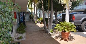 Seaside Motel - Redondo Beach - Näkymät ulkona