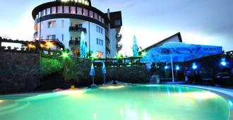 Belvedere Hotel Brasov - בראסוב - בריכה
