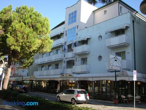 Hotel Venezia - Caorle - Building
