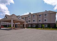 Microtel Inn & Suites by Wyndham Bridgeport - Bridgeport - Building