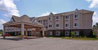 Microtel Inn & Suites by Wyndham Bridgeport - Bridgeport