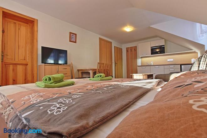 Pension Sima - Harrachov - Bedroom