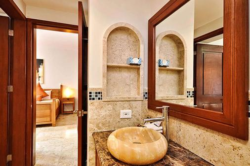 愛康拓精品公寓酒店 - 卡曼海灘 - 普拉亞卡門 - 浴室
