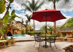 Best Western Woodland Hills Inn - Woodland Hills - Building