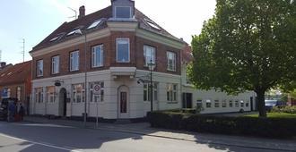 Sverres Hotel - Rønne