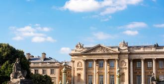 Hotel de Crillon - Paris - Outdoor view