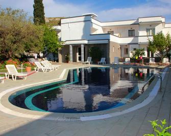Hotel Dimitra Sun - Архангелос - Бассейн