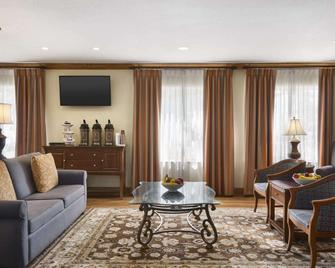 Country Inn & Suites by Radisson, Saraland, AL - Saraland - Вітальня