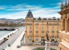 Hotel Maria Cristina, a Luxury Collection Hotel - ซานเซบัสเตียน - อาคาร