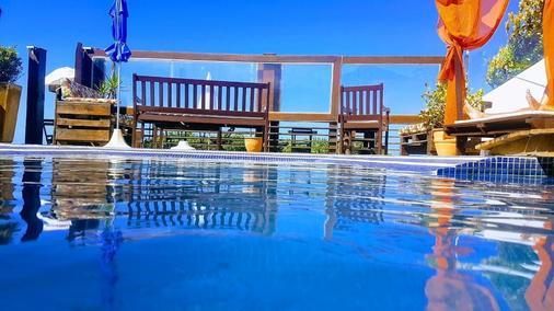 帕拉多爾泰吉旅館 - 弗洛里亞諾波利斯 - 游泳池