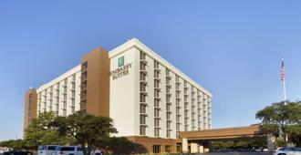 Embassy Suites by Hilton Dallas Market Center - Dallas - Edificio